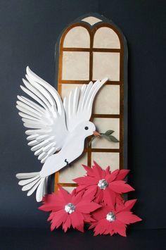 Primeiro Trabalho em Escultura em Papel (Paper Sculputure) realizado em aula pela aluna Helena Keiko, atual colaboradora ds exposições criadas e produzidas pelo Ateliê do Vlady