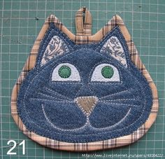 Set of two cat potholders by SewWhatCreationsLiz on Etsy Set of two . Set of two cat potholders by SewWhatCreationsLiz on Etsy Crochet Potholder Patterns, Mug Rug Patterns, Quilted Potholders, Sewing Patterns, Cloth Patterns, Hot Pads, Sewing Crafts, Sewing Projects, Sewing Diy