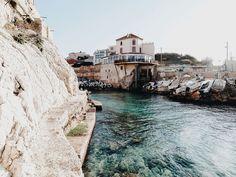 L' Anse de Malmousque -Balade marseillaise - un petit port de pêche dans le centre de Marseille - 2015