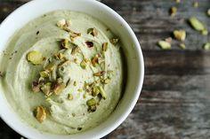 Healthy_Vegan_Banana_Avocado_Pistachio_Softserve_Ice_Cream_Recipe_002