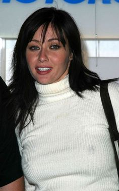 Photo Shannon Doherty see through pokies hot image Beautiful Celebrities, Beautiful Actresses, Shannen Doherty Charmed, Shannon Dorothy, Divas, Amazing Women, Beautiful Women, Kim Basinger, Actrices Hollywood