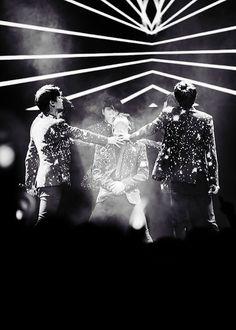 N , Leo ,Ken, Ravi , Hong Bin and Hyuk ♡ #VIXX - The Milky Way Global Showcase Tour