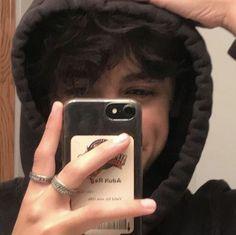 Win an iPhone XS Max for free Without draw iphone 11 . - Win an iPhone XS Max for free Without draw iphone 11 ecran - Cute Emo Boys, Cute White Boys, Cute Teenage Boys, Hot Boys, Cute Guys, Emo Guys, Beautiful Boys, Pretty Boys, Photographie Portrait Inspiration