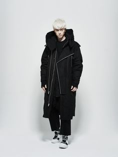 Duck-down structured over-sized parka by Byungmun Seo