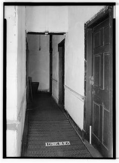 5.  Historic American Buildings Survey W. N. Manning, Photographer, January 3, 1935 HALLWAY TOWARD SOUTH - Old Tavern, East Clinton & East Square Streets, Jacksonville, Calhoun County, AL