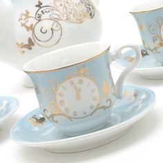 Very Warm And Winsome Vintage Tea Cups - Bored Art