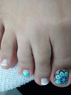 Para Leidy R Pedicure Nail Art, Toe Nail Art, Easy Nail Art, Summer Toe Nails, Luxury Girl, Feet Nails, Toe Nail Designs, Tattoo Drawings, Hair And Nails