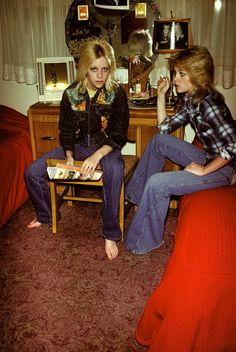 Cherie and Marie Currie, 1970s. Photo by Brad Elterman. #rock #sisters