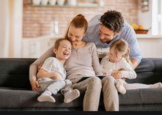 Πως θα ετοιμάσεις εύκολα τις βαλίτσες για τις διακοπές όλης της οικογένειας! | ediva.gr Dating Humor Quotes, Dating Memes, Dating Tips, Divorce With Kids, Lifetime Movies, Young Family, Single Dating, Men Quotes, Dating After Divorce