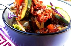 mogyorós vörös rizs leves zöldségekkel ~ Vega Lujzie Vegan Nutritionist, Vegan Recepies, Ratatouille, Ethnic Recipes, Food, Essen, Meals, Yemek, Eten