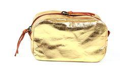 Goldene Kosmetiktasche-Beauty Case aus Manufaktur in Italien von #Uashmama  - Gefunden auf #KONTOR1710