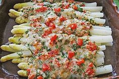 Spargel mit Parmesan-Kruste Asparagus with Parmesan crust (recipe with picture) by Grilling Recipes, Seafood Recipes, Vegetarian Recipes, Healthy Recipes, Easy Recipes, Healthy Snacks, Healthy Eating, Healthy Sweets, Spring Recipes