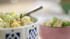 - Quinoa salad with northern prawns Quebec, Shrimp And Quinoa, Salad Recipes, Healthy Recipes, Food Test, Looks Yummy, Potato Salad, Macaroni And Cheese, Seafood