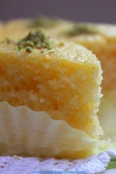Greek Ravani / Revani recipe (Coconut cake with syrup) The 10 Most Remarkable Turkish Sweets Recipes - Revani – Turkish Sweets Recipes Sweets Recipes, Just Desserts, Cake Recipes, Delicious Desserts, Cooking Recipes, Yummy Food, Albanian Recipes, Turkish Recipes, Greek Recipes