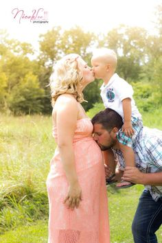 Maternity Photography || Nicole Lee Lifestyle Photography ***Sharesa I love this idea...but how to incorporate Kaity???