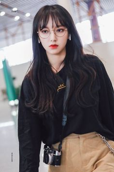Kpop Girl Groups, Kpop Girls, Kpop Fashion, Airport Fashion, Xuan Yi, Cheng Xiao, Yuehua Entertainment, Cosmic Girls, Airport Style