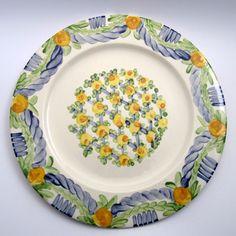 Alle Platzteller der Familie BlueHoria-Berdea! Die Blau-Gelb-Grüne Designfamilie von Unikat-Keramik. Das wohl einzigartigste Keramik Geschirr der Welt! Plates, Tableware, Kitchen, Blue Yellow, Unique, Dishes, World, Licence Plates, Cuisine
