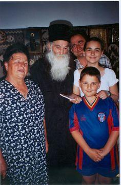 """""""Actorul Vasile Muraru, născut în comuna Girov, l-a cunoscut pe Părintele Justin încă din anii 60-70, cînd era la Mănăstirea Secu. De atunci a rămas cu multă evlavie către sfinţia sa şi peste ani, cînd părintele a întemeiat Mănăstirea Sfinţilor Arhangheli – Petru Vodă, s-a implicat în construcţia mănăstirii şi în obţinerea aprobării sinodale pentru ridicarea de la statutul de schit la cel de mănăstire."""" A Way Of Life, Tree Of Life, Fashion, Nun, Pictures, Moda, Fashion Styles, Fashion Illustrations"""