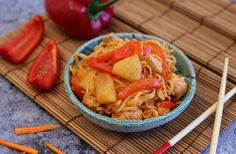 Egy finom Kínai édes-savanyú csirke tésztával ebédre vagy vacsorára? Kínai édes-savanyú csirke tésztával Receptek a Mindmegette.hu Recept gyűjteményében! Penne, Pasta, Wok, Thai Red Curry, Shrimp, Cabbage, Lunch, Meat, Vegetables