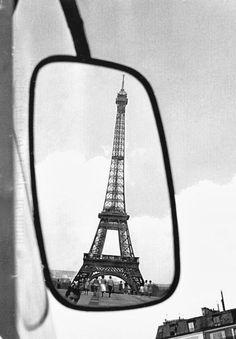 Vintage Black and White Photos of Paris by Paul Almásy - My Modern Metropolis Louvre Paris, Paris 3, I Love Paris, Beautiful Paris, Paris Torre Eiffel, Paris Eiffel Tower, Eiffel Towers, Black And White City, Black And White Pictures