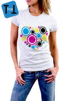 COEUR MULTICOLOR DESIGN - T-shirt blanc  Femme - love coloré ! Tshirt cadeau • bleu rose jaune noir • 052 de la boutique teeFORtea sur Etsy