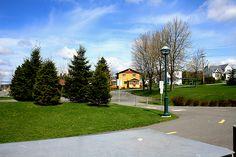 la maison ensoleillée de la rue Victoria Rue, Sidewalk, Victoria, City, Home, Pavement, Curb Appeal