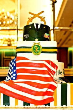 To honor the many brave that deserve it! ❤layered army cake with flag Army Cake, Military Cake, Military Party, Military Police, Call Of Duty Cakes, Police Cakes, Fireman Cake, Welcome Home Parties, Retirement Cakes