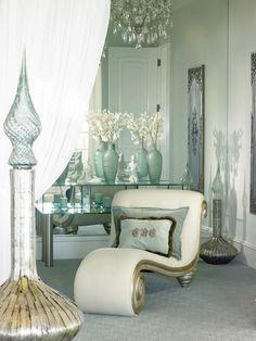 Skvělým způsobem, jak vnést do interiéru nádech glamour stylu jsou moderní tapety. Tapety a ty moderní zvlášť, dodají prostoru vždy na zajímavosti a půvabu.