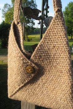 Masa bag ~ very cute. - already have this pattern pinned but this is a great interpretation of the pattern. I like the button and the color. Crochet Purse Masa Bag by TriangleFarm on Etsy Masa bag ~ free ravelry - to make I made one of these to keep Crochet Tote, Crochet Handbags, Crochet Purses, Knit Or Crochet, Crochet Crafts, Crochet Projects, Beginner Crochet, Free Crochet, Purse Patterns