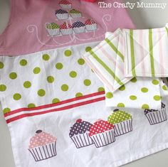 Kids Kitchen Set - Apron, potholders, tea towels - would add some washcloths, oven mitt,  possibly a tablecloth?