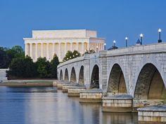 Arlington Memorial Bridge and Lincoln Memorial in Washington,DC