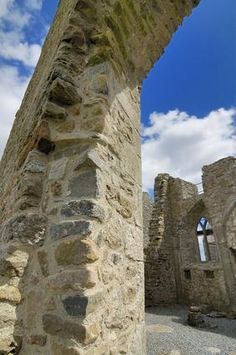 The best times of year to travel to Ireland. USAToday Ancient castles and small towns dot the map throughout Ireland.