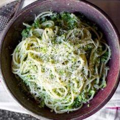 Špageti sa kremastim brokoli pestom | Blender Online