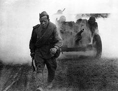 """И. Озерский. """"Солдатский труд"""". 1944 г."""