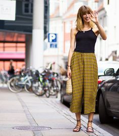 25 Casual Culottes Outfit Trends To Change The Way Of Styling Streetwear, Outfit Trends, Outfit Ideas, Urban Outfits, Street Chic, Street Fashion, Simple Outfits, Casual Outfits, Street Style Women