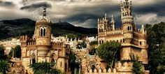 Colomares Castle - Spain A monument dedicated to Christopher Columbus and his arrival to the New World Beautiful Places To Visit, Places To See, Foto Blog, Mont Saint Michel, Things To Do In London, Beautiful Castles, Spain And Portugal, Jolie Photo, Architecture