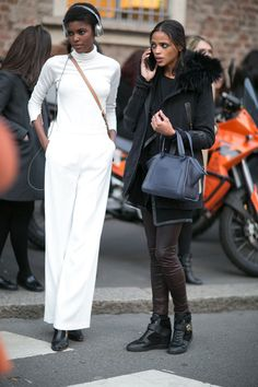 Pin for Later: Catch Up on the Best Model Street Style Moments at MFW Milan Fashion Week Zac by Zac Posen bag. Fashion Week, New York Fashion, Star Fashion, Milan Fashion, Fashion Trends, Street Fashion, Phresh Out The Runway, Zac Posen Bags, Model Street Style