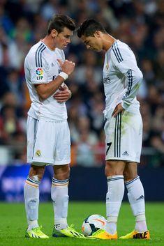 Cristiano Ronaldo and Gareth Bale Photos Photos  Real Madrid CF v Club  Atletico de Madrid - La Liga 931cac070