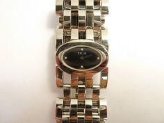 """Bracelet-montre de dame FRED, """"Pretty Woman"""", Signé et numéroté. Avec écrin et stylet. Vente du Vendredi 26 février 2016 à 10h30 au Crédit Municipal de Paris"""