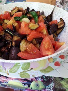 Le melanzane a funghetto, piatto tipico della cucina campana, protagonista di ogni bella estate. Estate, Ratatouille, Bella, Pork, Ethnic Recipes, Sweet, Italia, Kale Stir Fry, Candy