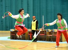 3. 8국제부녀절기념 전국녀맹일군들과 녀맹원들의 민속유희오락경기 진행 (2)
