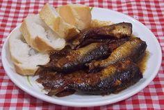 SARDINHA NA PRESSÃO O sabor do molho com vinagre balsâmico utilizado na preparação dessa sardinha fica tão bom que é difícil não limpar o prato! Confiram a receita no blog... www.nabiroskinha.com #sardinha #pressão #sardinhanapressão #molho #vinagrebalsâmico #petisco #aperitivo #porção #happyhour #receita #delícia #culinária #refeição #instafood #food #foods #foodpic #foodblogs #foodbloggers #foodblogsbrasil #nabiroskinha by nabiroskinha http://ift.tt/1P3BdHT