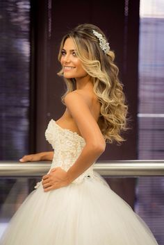 New Ideas For Hair Styles Suelto Bodas Bridal Hair Pin Ups, Wedding Hairstyles For Long Hair, Bridal Hair And Makeup, Wedding Hair And Makeup, Wedding Hair Accessories, Bride Hairstyles, Down Hairstyles, Sweet 16 Hairstyles, Pretty Hairstyles