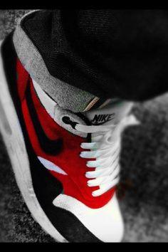 Nikes -womens nike shoes, nike free runs, nike air max running shoes, nike sneakers Nike Shoes Cheap, Nike Free Shoes, Nike Shoes Outlet, Running Shoes Nike, Cheap Nike, Toms Outlet, Air Max 1, Nike Air Max, Me Too Shoes