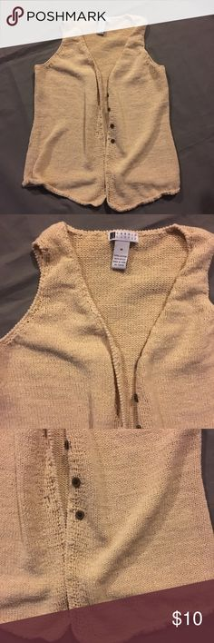 Carole Little Cream Vest Sweater Knit Woman's Med Woman's medium. In overall great condition. Check out our closet for great bundle offers! Carole Little Jackets & Coats Vests