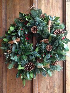 Christmas Wreaths To Make, Christmas Flowers, Handmade Christmas Decorations, Christmas Makes, Christmas Mood, Noel Christmas, Holiday Wreaths, All Things Christmas, Christmas Inspiration