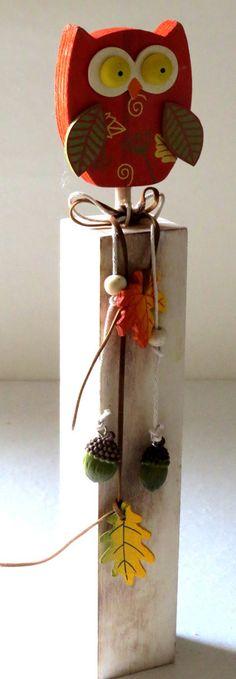 Eule+Holz+orange+auf+Stand+H+30+cm