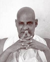 10 Swami Sivananda sharing a cosmic secret Yoga Beginners, Advaita Vedanta, Mother India, Spirit Science, Spiritual Teachers, Guides Spirituels, Cosmic, Spirituality, Jai