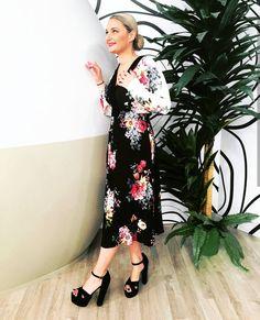 SANTE block high heeled sandal for stunning looks! Cold Shoulder Dress, Dress Up, Sandals, Elegant, Celebrities, Heels, How To Wear, Stuff To Buy, Black
