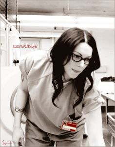 alex vause IS PERFECT OMG I LOVE HER
